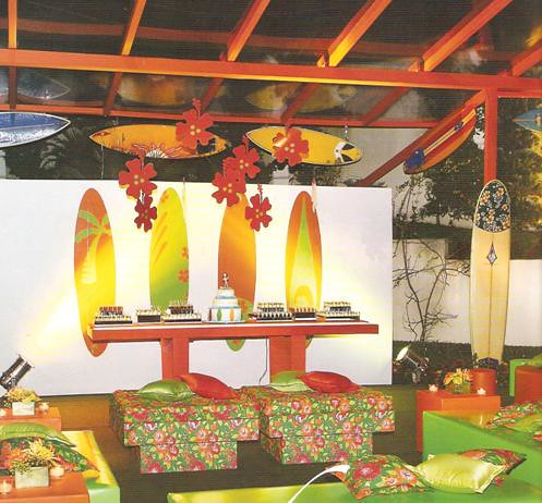 festa havaiana decorada