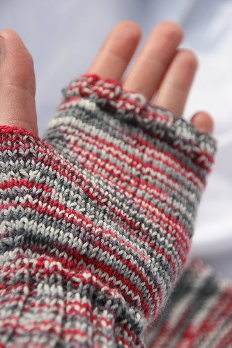 Leftover Sockyarn Mitts