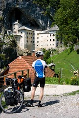 _MG_6340 (Gonzalo Revidiego) Tags: travel viaje naturaleza mountain verde cicloturismo bike cycling europa cyclist bicicleta viajes slovenia ciclismo montaa castillo eslovenia cueva triglav postojna predjamacastle alpesjulianos montaa castillopredjama