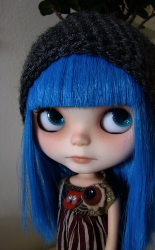 Sia modelling Barbievoltios Hobo Hat (for Nicole) by Vainilladolly