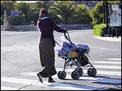 rscame mma (La Marciana) Tags: caminando pauelo escoba rascando gipsi rascandoalbebe carritosergiobolinchesmarin70300sigma