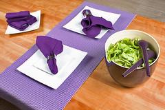green your life - fotoshooting 10.11.2009 (greenyourlife) Tags: lila tisch holz salat schssel serviette ekobonachhaltigwohnideenwohndesignwohnaccessoireskowohnunglifestyledesign