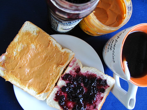 IMG_4076 Coffee , blueberry and peanut butter . 咖啡、蓝莓、花生酱