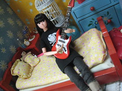 Dalia Jamming out to The Cure (Girl Least Likely To) Tags: fashion toys miniatures bedroom dolls vinyl louise rement diorama dalia dollhouse sekiguchi momoko dollfurniture japanesetoys petworks asiandolls daisyd dollscene preppygirl