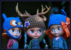 ~ Little Rudolphette ~ (jillybug ~) Tags: christmas blue chicken reindeer holidays owl overalls blythe custom 2009 bows ditto bloo squeakymonkey giftee theenchantedpumpkin dollmofee rudolphette thankyouxoxsusy
