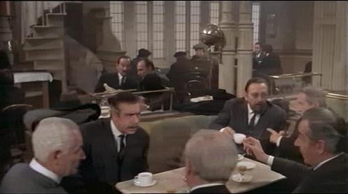 Recreación del Café Español de Toledo. Captura de Tristana de Luis Buñuel
