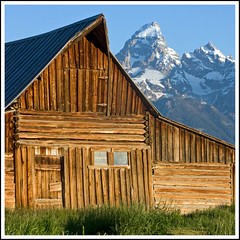 barn & peak (Rich'sPics) Tags: rockymountains wyoming grandtetonnationalpark mormonrow canon28135 moultonbarn canoneos40d
