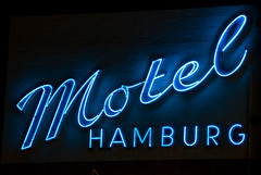 Motel Hamburg (eriwst) Tags: light sign vintage geotagged licht neon hamburg motel retro signage font werbung schrift reklame leuchtreklame werbetafel guessedhamburg guessedbyjense1 geo:lat=53583288 geo:lon=997002