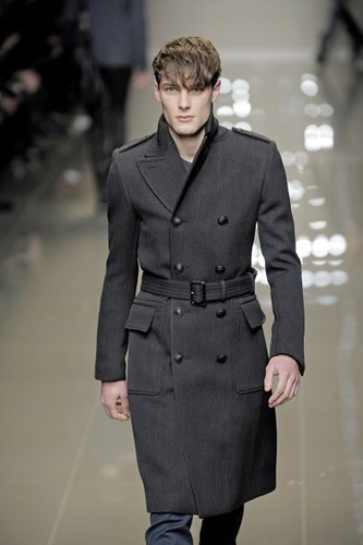 James Hampson3085_FW10_Milan_Burberry Prorsum(first VIEW)