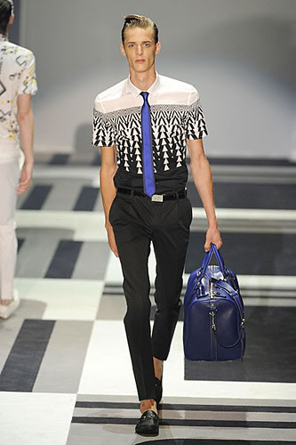 Benoni Loos2925_SS10_Milan_Gucci(Lizzylily@mh)