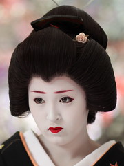 Baikasai 2010 - Geiko Ichimame 市まめ (Iniwa) Tags: japan kyoto maiko geiko geisha 京都 日本 baikasai 芸者 芸妓 舞妓 kamishichiken 上七軒 ichimame 梅花祭 市まめ