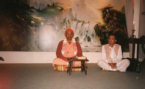 H H Krishna Das Swami -0007 por ISKCON desire tree.