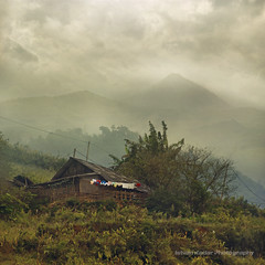 Sun-drying Laundry (fesign) Tags: nature clouds landscape vietnam clotheslines sapa laundryday airdry hoanglienson infinestyle laocaiprovince hoangliennaturereserve magicunicornverybest magicunicornmasterpiece sundryinglaundry linedryinglaundry