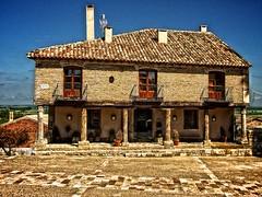 Casona del siglo XVI (Luicabe) Tags: houses spain maisons luis casas espagne campos cabello castilla palencia leon espana tamara