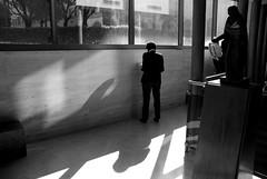 (Rodolfo_Felici) Tags: light people urban man back nikon shadows ombre uomo urbana luci rays nikkor shoulder rodolfo felici spalle d80