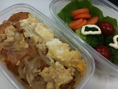 100324 カツ丼のお弁当