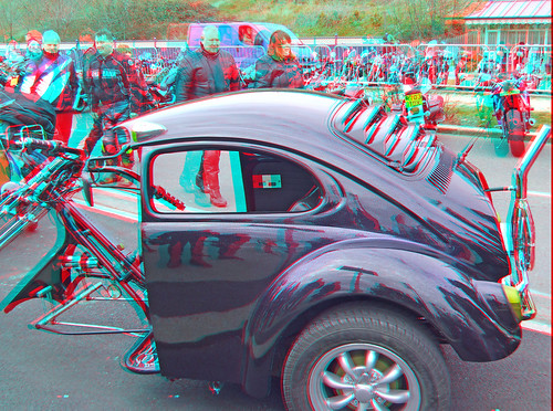 4494154024 5f62b1b034 Motorbikes motorcycle in anaglyph 3D Southend Shakedown 2010, Beetle trike