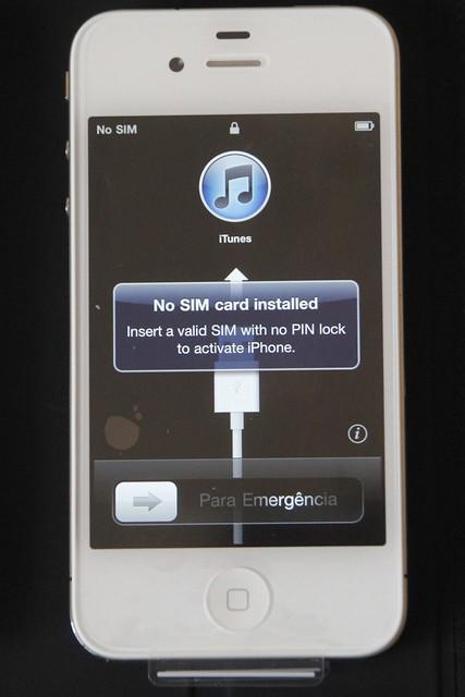 iPhone 4 a la espera del micro-SIM