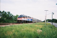 Southbound Metra evening rush hour commuter train. Glenview Illinois. June 2008.