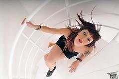 Maria. (Francisco Ortiz fotografas) Tags: girl nice nikon chica maria granada 17 70 guapa pelirroja escaleras picado