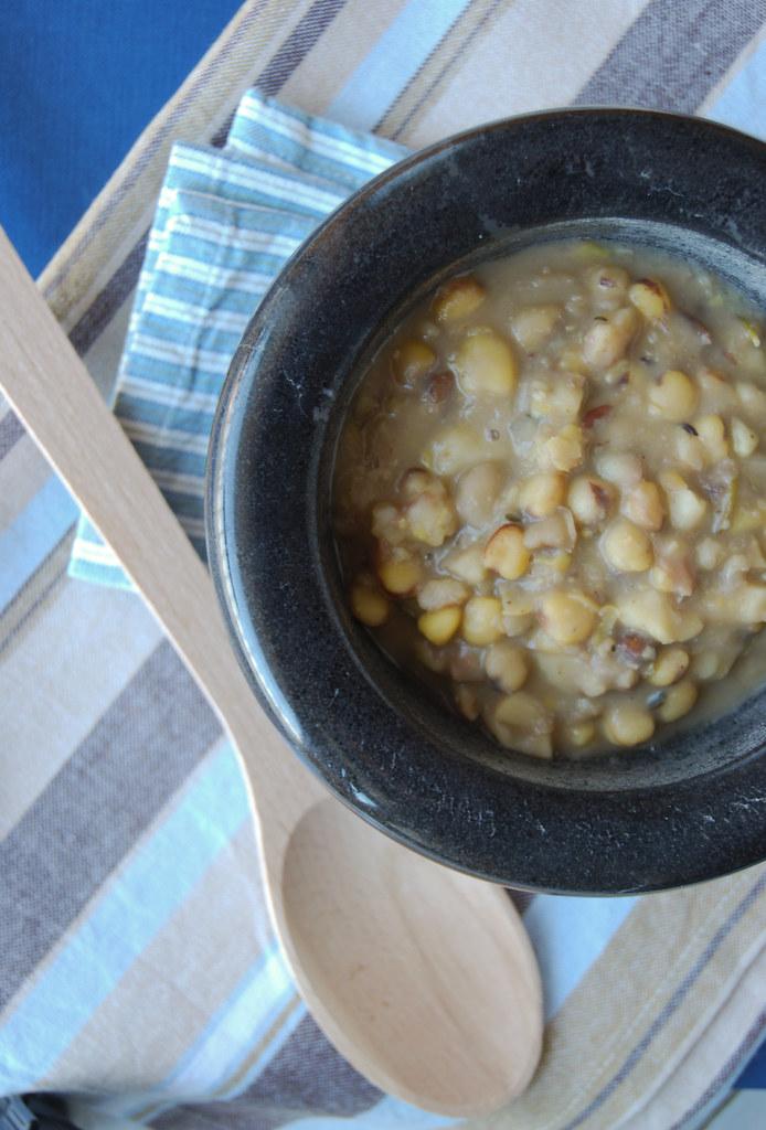 Minestra di castagne e cicerchie1