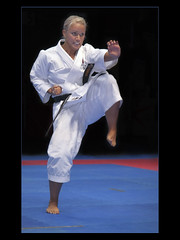 Ladies Kata Final (guenterleitenbauer) Tags: pictures november ladies girls woman sports girl sport lady photo google fight women europe flickr european fighter foto image photos action europameisterschaft flash picture images karate final fotos cs kata championships fighting frau bild em blitz 2009 halle mdchen bilder aktion rotax shotokan wels kampfsport sportfotografie europameisterschaften