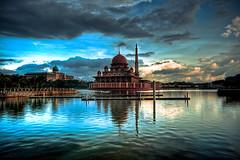 Masjid Putra (Mansour Ali) Tags: storm digital 350d rebel xt kiss day n malaysia kuala putrajaya malesia libya kl masjid jaya   putra  malaisie malaisia
