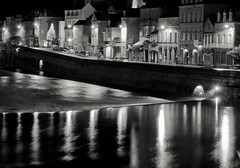 City lights on the river (Franck_Michel) Tags: street city light bw white house black water night canon river dark eos eau noir nb sombre lumiere maison rue nuit blanc ville rivere 400d canon400d mtrtrophyshot
