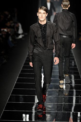 James Hampson3097_FW10_Milan_John Richmond(nikestav10@mh)