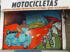 Av. Córdoba y Darwin (Mondo Lila®) Tags: vespa camino afro darwin cordoba local palermo boca negra motos motocicletas mondolila cortinametalica anchu