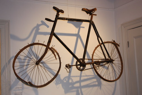 I know its frivolous, but I really liked seeing his bicycle.