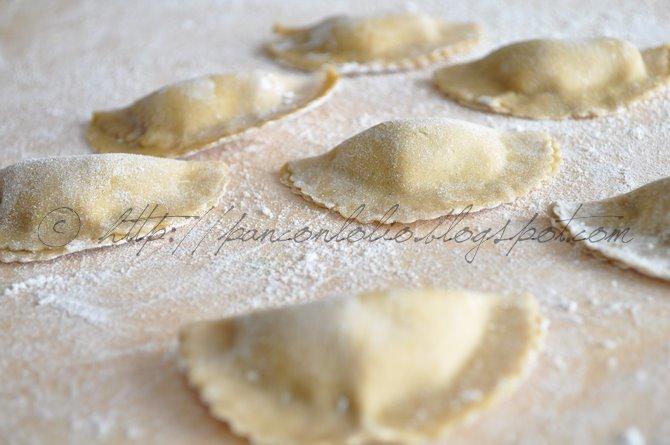 mezzelune di farina di castagne con carciofi