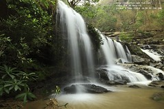 Mae Ya Waterfall : 2010_04_11_000026523.JPG (Nobythai) Tags: nature beauty landscape thailand eos waterfall nationalpark asia southeastasia award thai  5d chiangmai  greatphotographers supershot  mywinners chomthong anawesomeshot unseenasia  earthasia totallythailand  impensable