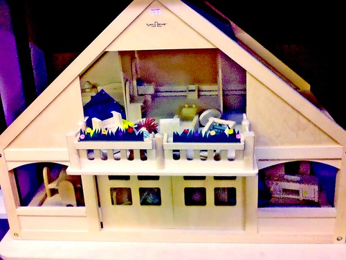 Ideal dollhouse by Sultry