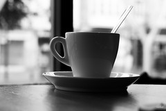 Cup (Puenting) Tags: cup coffee taza café cafetería spoon cuchara bw bn blackwhite blancoynegro monochromatic monochrome greyscale mood window relax canonef50mmf14usm canon canoneos70d