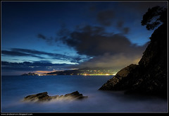"30"" per un'emozione (Andrea Moro) Tags: sea sky italy cliff water rock night clouds nikon italia nuvole mare gulf emotion liguria silk cielo lee bluehour filters grad acqua portofino seta notte golfo scogli scogliera tigullio orablu emozione nikkor1735 golfodeltigullio d700"