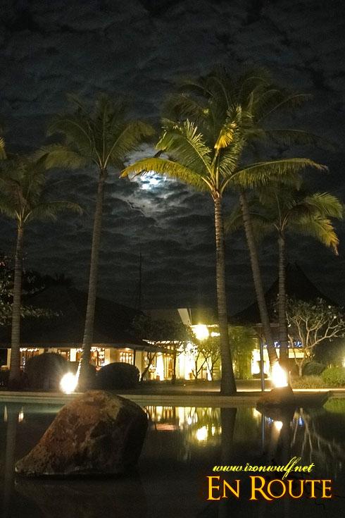 Anvaya Cove Pool and the Moon