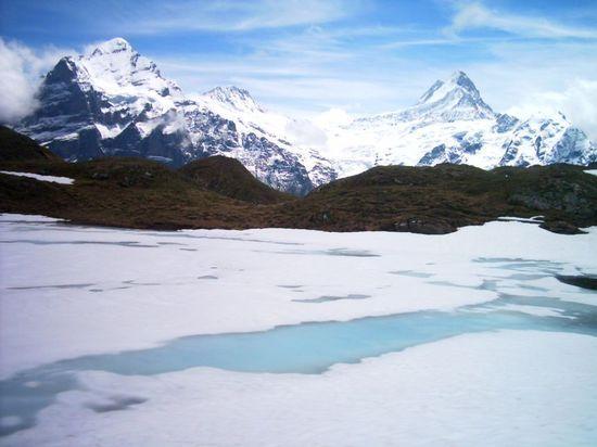 bachalpsee-lake