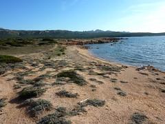 En allant vers La Tonnara : une plage