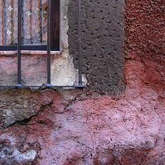 blushing stucco (msdonnalee) Tags: pink red brick rot texture window wall mexico rouge ventana pared fenster  rosa explore finestra adobe mexique janela blush redwall rosso stucco mexiko roja finestre venster lacecurtain oldwall crumblingwall   donnacleveland wroughtironwindowgrille photosfromsanmigueldeallende fotosdesanmigueldeallende photosbydonnacleveland paredderoja