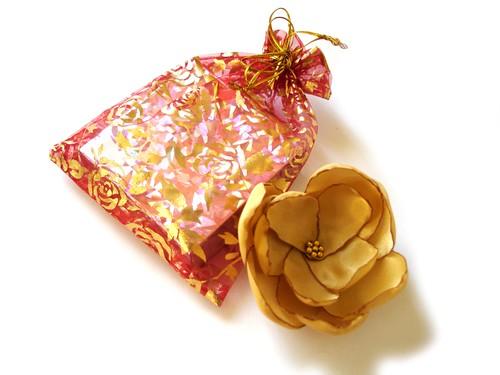 GLITZY GOLD STAR ROSE BLOSSOM WEDDING FLOWER BROOCH