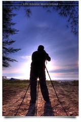 Lihatlah Dengan Mata Hati... (AnNamir c[_]) Tags: silhouette sunrise canon eclipse tripod kitlens halo malaysia framing siluet sundog kuantan pahang cloudscapes bayang 500d tonemapping beserah pantaibalok gerhanamatahari balok 40d siluetta amazingmoment flickraward gerhana amazinghalo annamir buyie gerhanamataharisepara seenbymyeyes shidy amazingsundog amazingsilhoutte