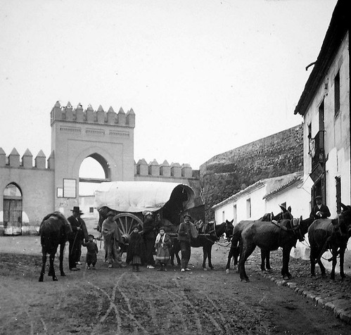 Puerta de San Martín de Toledo a finales del siglo XIX. Fotografía de Alexander Lamont Henderson