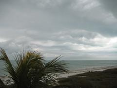 Nuages derrire le grain - Clouds trailing the squall (comiquaze) Tags: squall florida grain sanibel floride golfdumexique mexicangulf