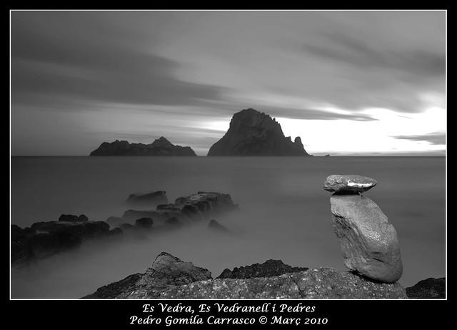Es Vedra, Es Vedrenell i Pedres