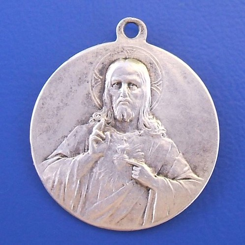 Sacred Heart of Jesus silver medal (obverse side, late 19th century)