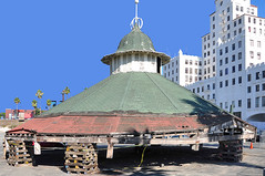 Long Beach, Ca. (RickWarrenPhotos) Tags: california wood old roof usa history architecture facade buildings downtown arcade oldbuildings historic longbeach amusementpark pike longbeachca longbeachcalifornia longbeachcalif oceancenterbuilding looffslitealine downtownlongbeachca