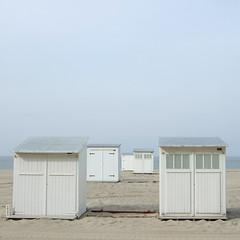 Wenduine (nikjanssen) Tags: white strand quiet noordzee belgiancoast beachcabin vanagram wenduinebelgium