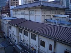 歌舞伎座 裏窓001