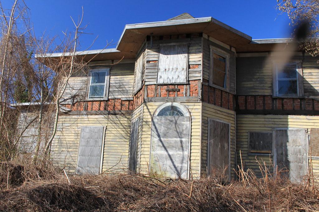 McFarlane-Bredt House